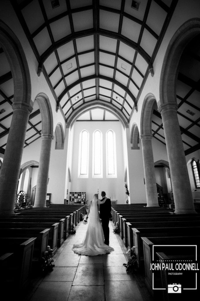 Reportage Church shot of the Bride and Groom