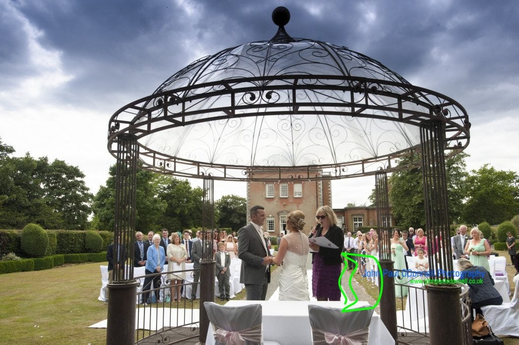 Top 8 venues for outside weddings in Hertfordshire (7)