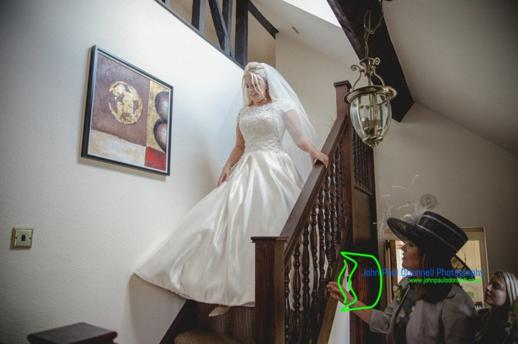 16 Bride on staircase