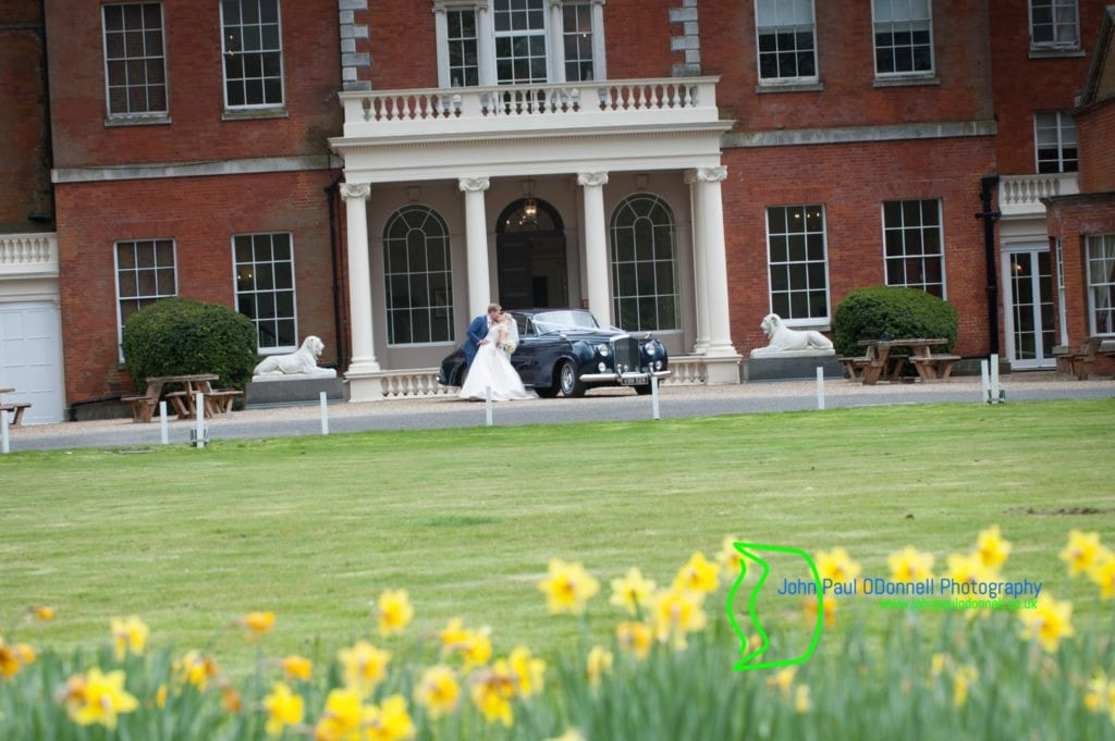 32 bride and groom with Bentley S1 Daffodils