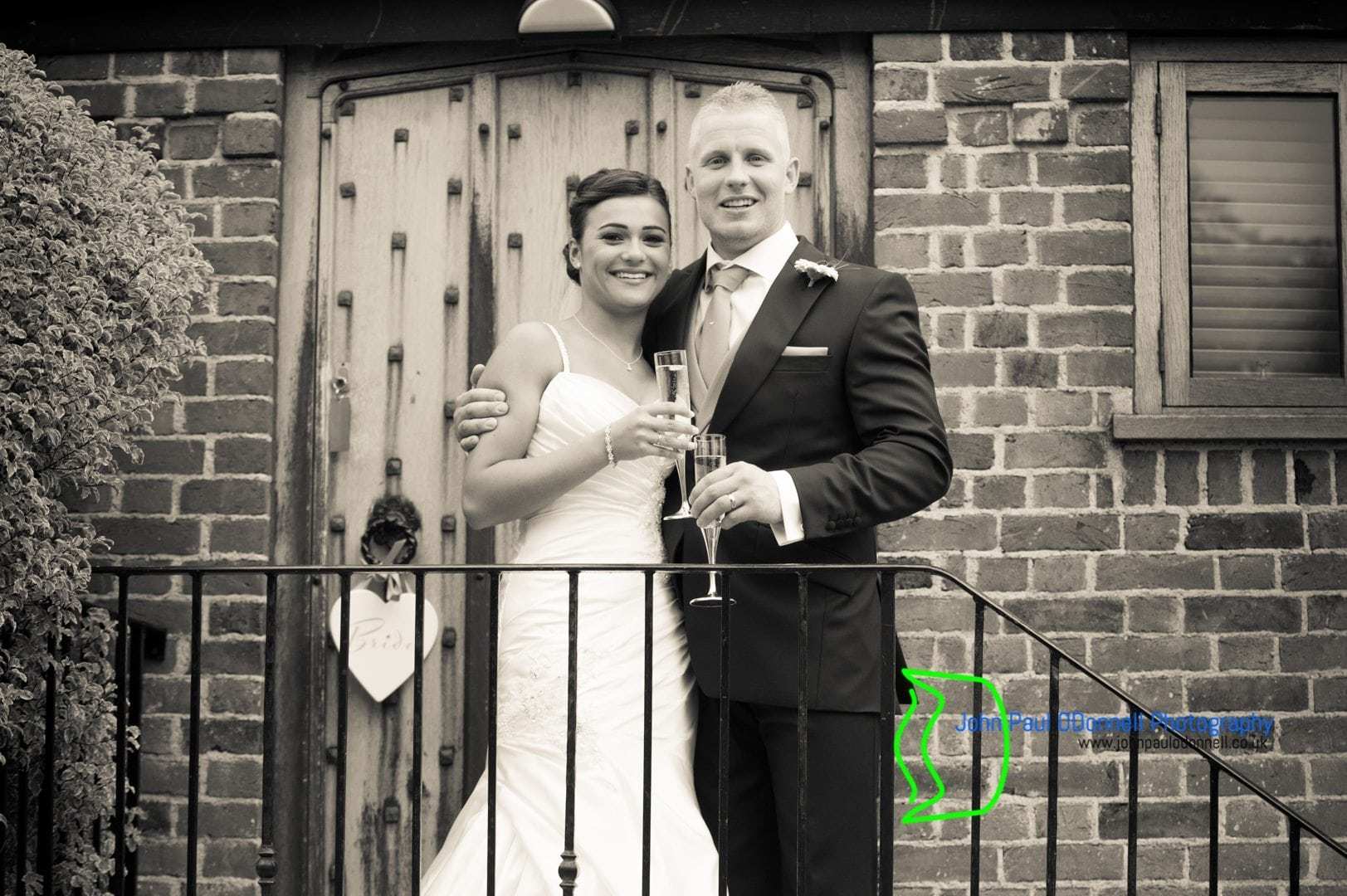 Jordan and Ashleys Wedding at Coltsfoot Country Retreat-11