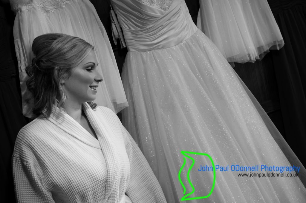 candice-and-dans-winter-wedding-at-fanhams-hall-3