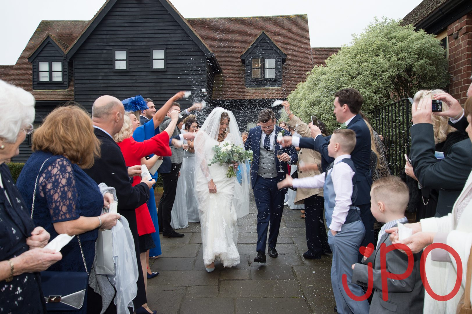 Sam and Luke's wedding at coltsfoot country retreat herts