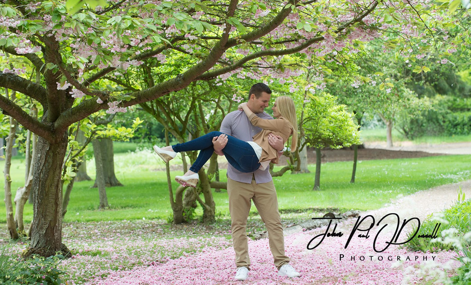 engagement photographs hertfordshire