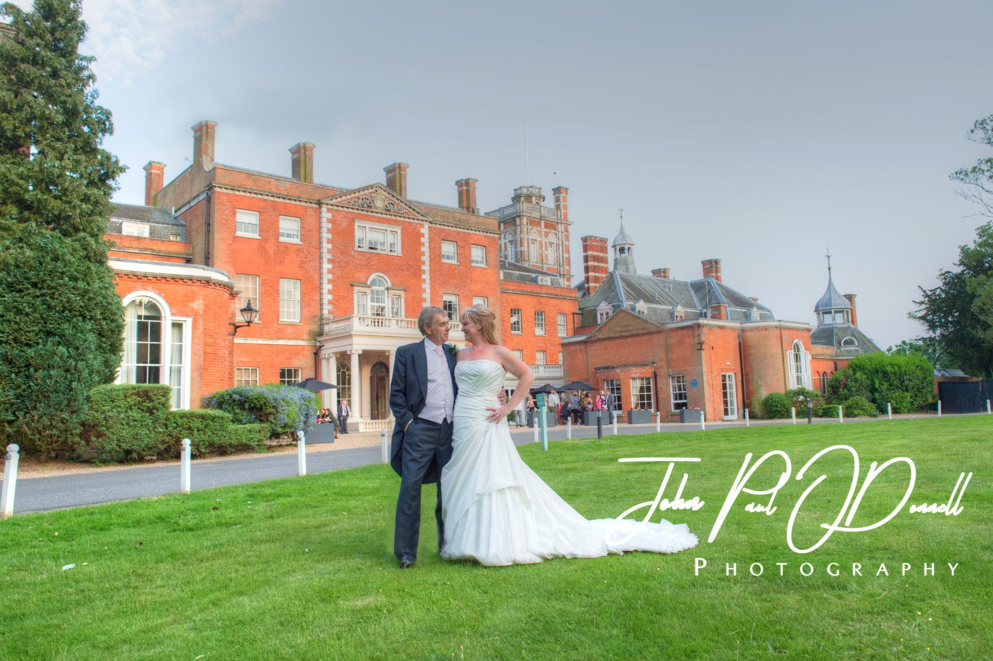 Nicola and Simons Wedding – Photographer Hertfordshire Theobalds Park