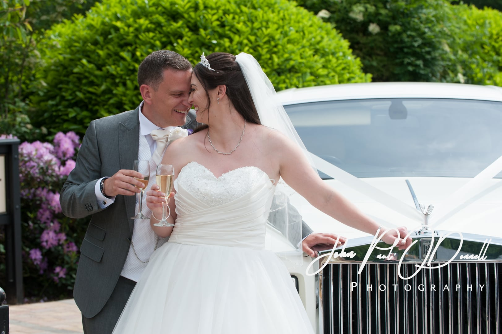Claire and Stuarts wedding at Tewinbury Farm Herts
