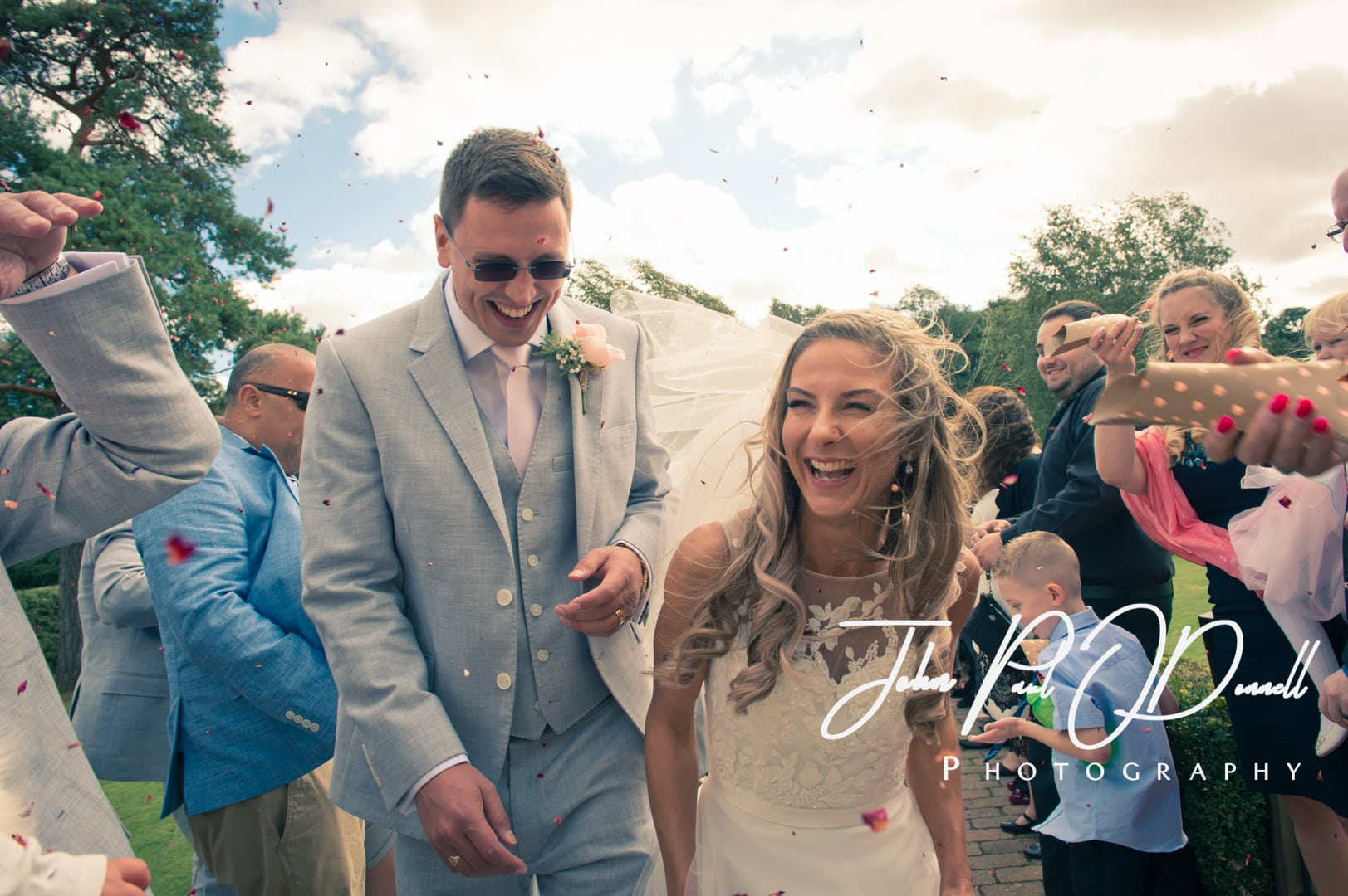 Francesca and Taylors wedding at Tewin Bury Farm